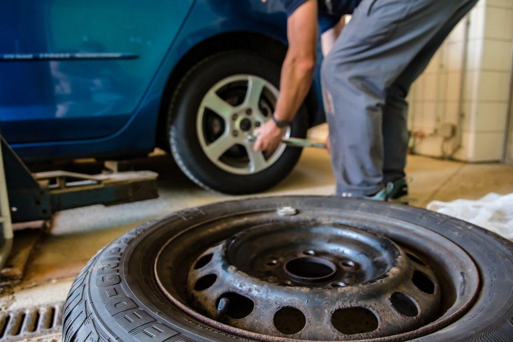 llenado de los neumáticos con nitrógeno