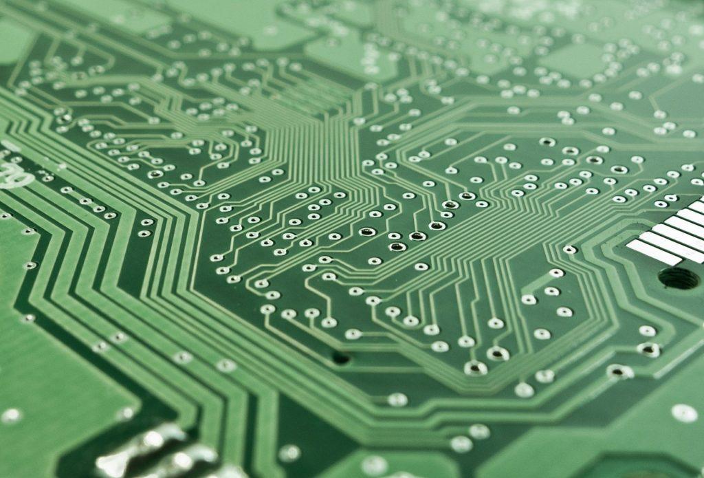 El Nitrógeno sirve para asegurar la integridad de las uniones en la soldadura sin plomo de elementos electrónicos